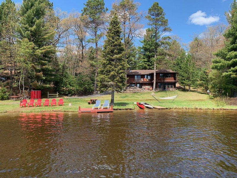 Manitowish Waters Chain of Lakes Rental - Wild Rice Lake, holiday rental in Boulder Junction