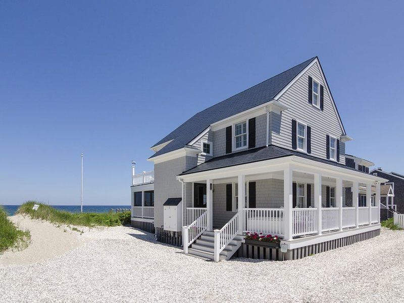 *Oceanfront Beach Home*, holiday rental in Sandwich