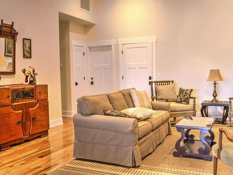 Old Style Apalachicola Charm in the Heart of the Historic District, holiday rental in Apalachicola
