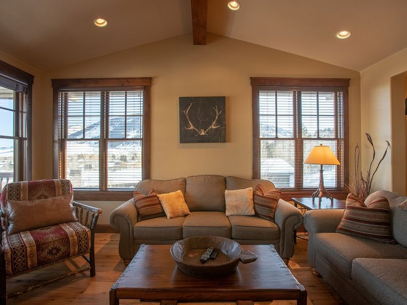 Teton View Condo at Snow King, vacation rental in Jackson