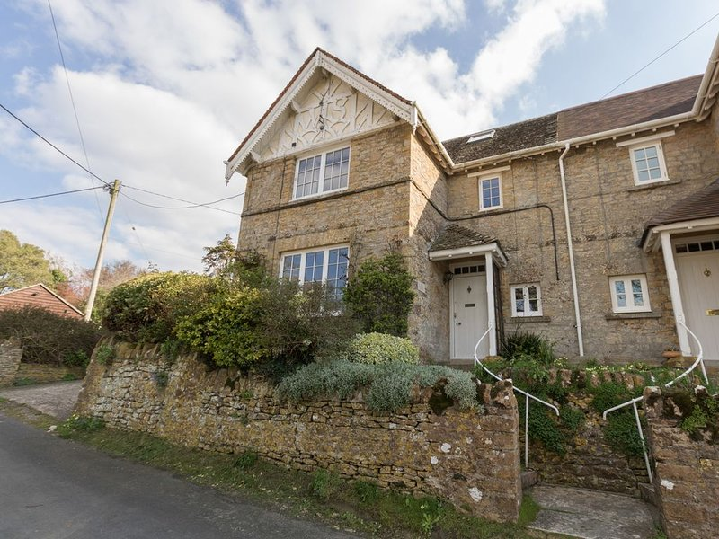 East Cottage, WEYMOUTH, holiday rental in Abbotsbury