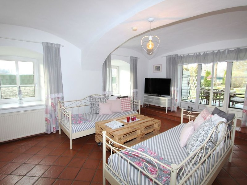 Luxurious Apartment in Klagenfurt with Terrace, Ferienwohnung in Ebenthal
