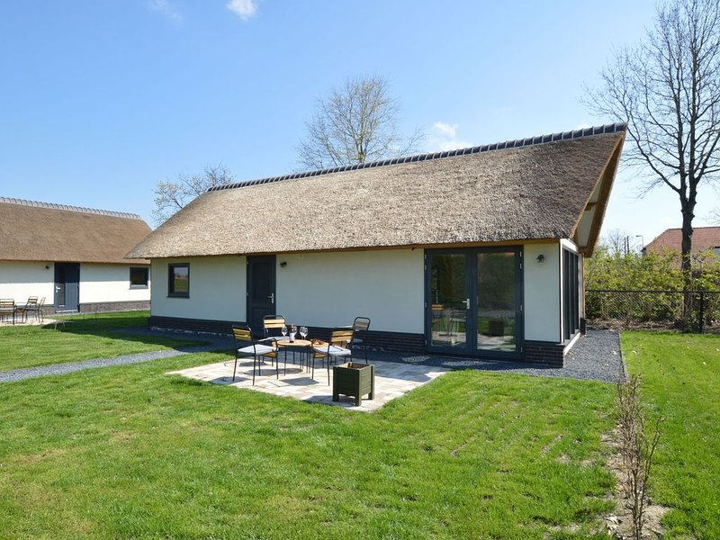Tranquil Holiday Home in Alphen-Chaam with Stables, holiday rental in Merksplas