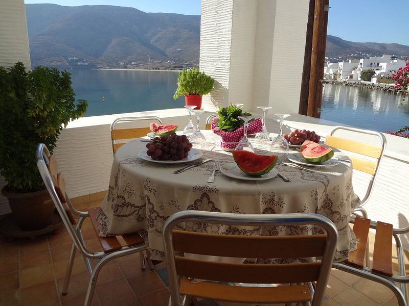 Watching The Sea from your balcony., casa vacanza a Ahla Beach