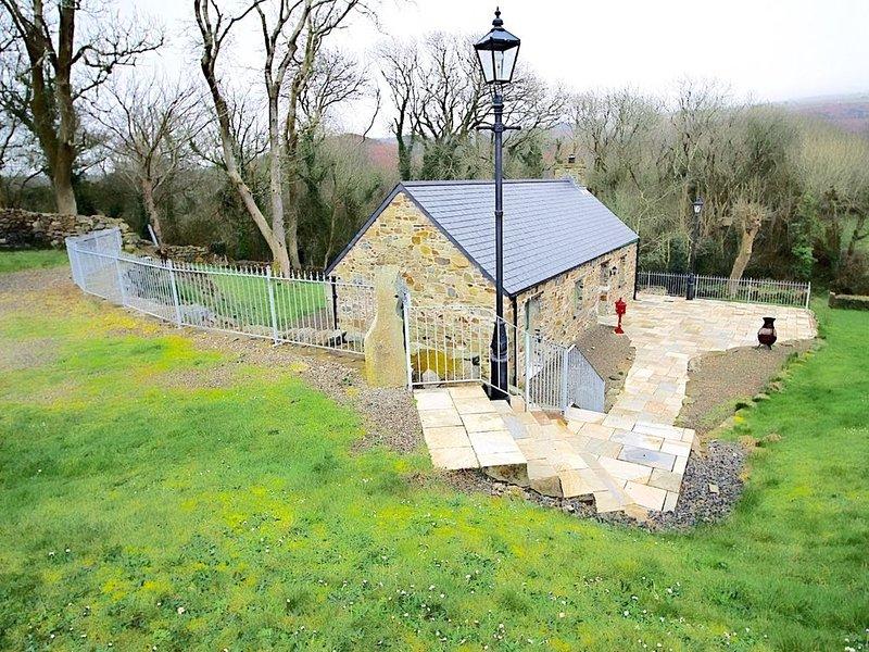 Cottage car park & entrance