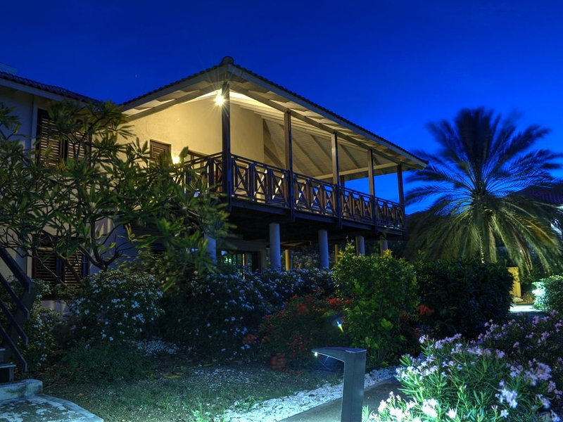 Boka Blou Caribbean Beach Villa., vacation rental in Dorp Sint Michiel