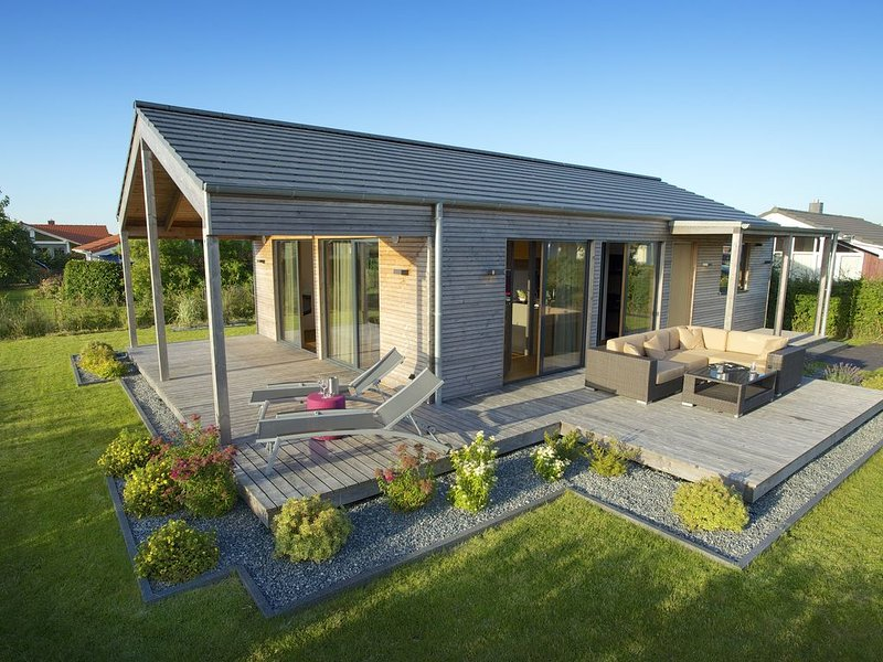 Exklusives Design-Ferienhaus aus gesunden Naturmaterialien mit TOP-Ausstattung, location de vacances à Vollerwiek