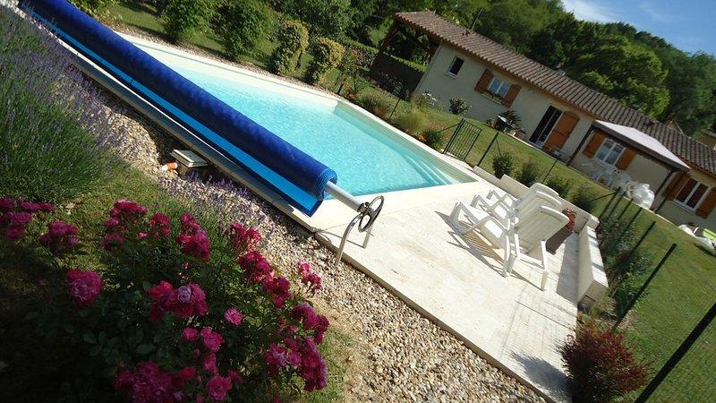 Maison avec piscine sécurisé au coeur du Périgord noir, holiday rental in Siorac-en-Périgord