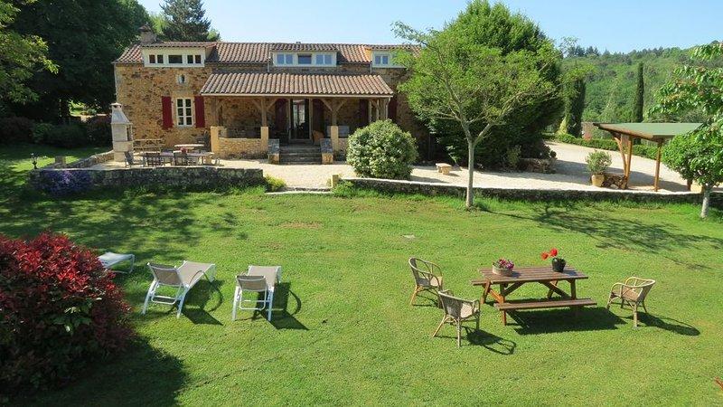 Ferme très luxe avec piscine chauffée sauna court de tennis privé, holiday rental in Molieres