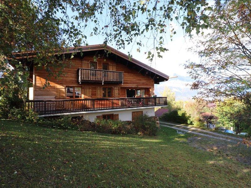 Séjour de rêve, avec calme assuré et vue imprenable sur le Mont Blanc, holiday rental in Combloux