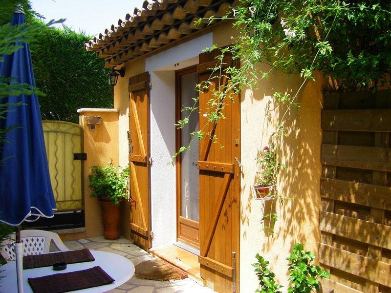 Sainte Maxime: appartement dans Maison de caractère, holiday rental in Sainte-Maxime