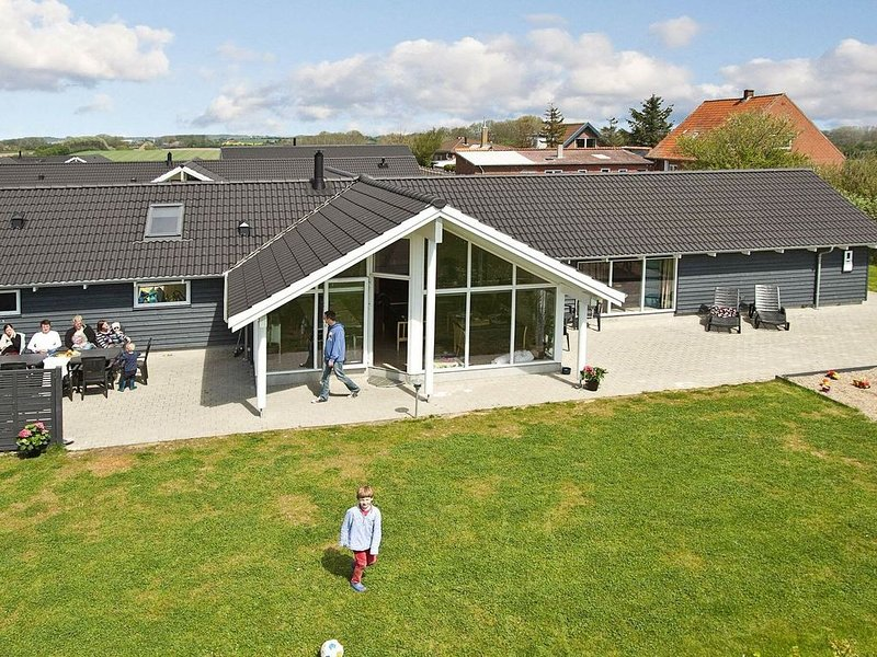 Spacious Holiday Home in Sydals with Sauna – semesterbostad i Sönderborg