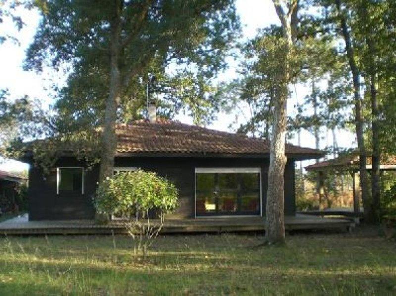 maison bois entre mer et forêt, location de vacances à Azur