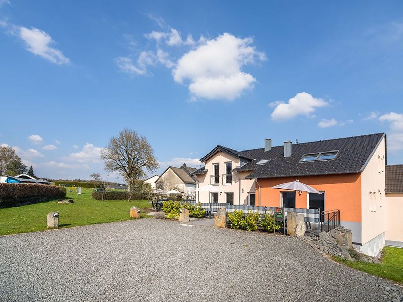 Luxurious Holiday Home in Ellscheid with Sandpit, holiday rental in Auderath