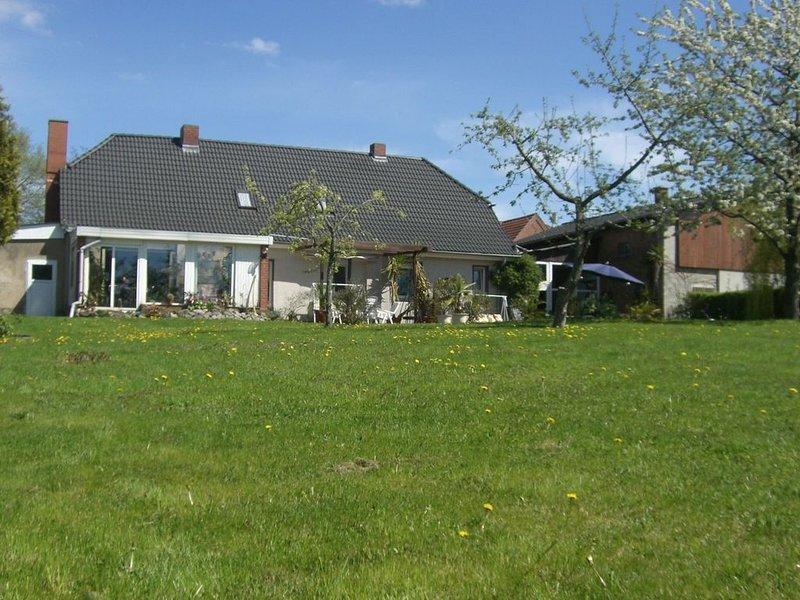Modern Holiday Home in Boitin Germany near Lake, casa vacanza a Muhl Rosin