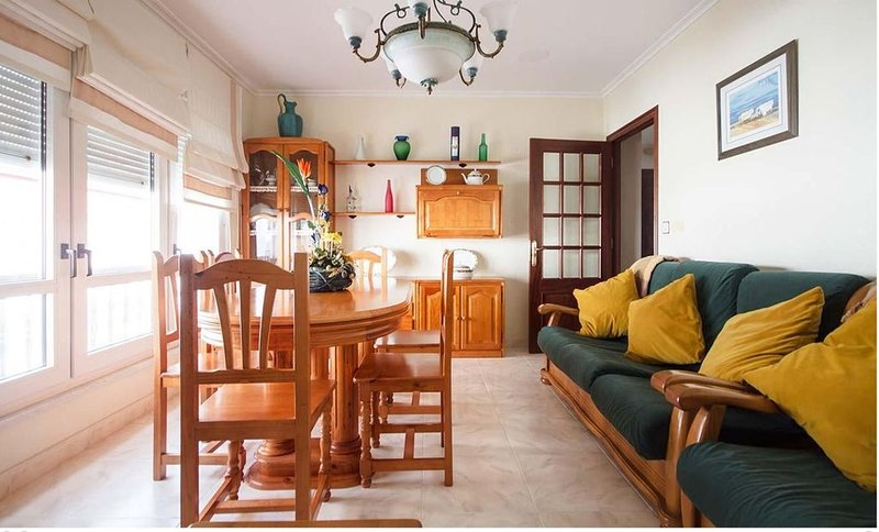 Apartamento - 3 Dormitorios - 107604, holiday rental in A Virxe Do Camino