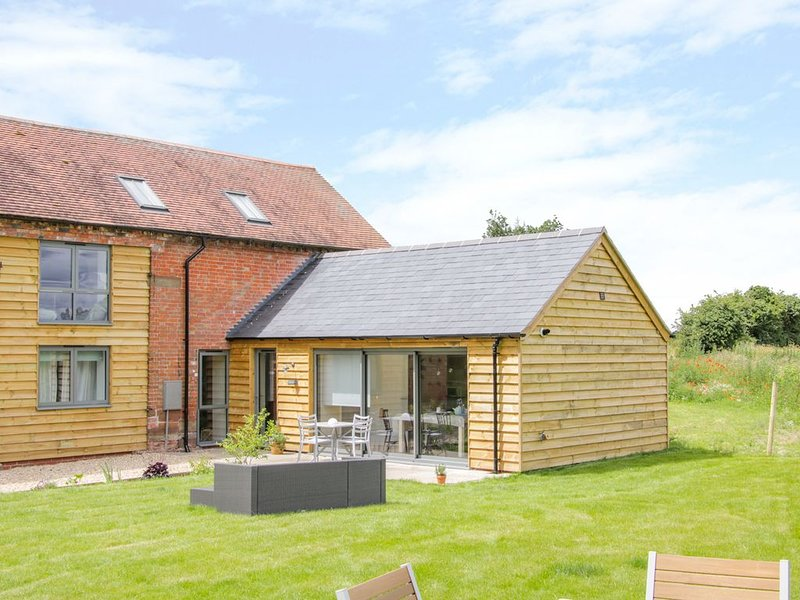 The Cow Barn, WATERS UPTON, SHROPSHIRE, holiday rental in Edgmond