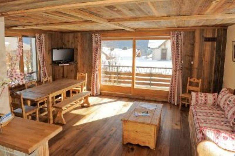 Charmant appartement familial rénové, vue exceptionnelle sur Mont Blanc. dans ré, vacation rental in Chamonix