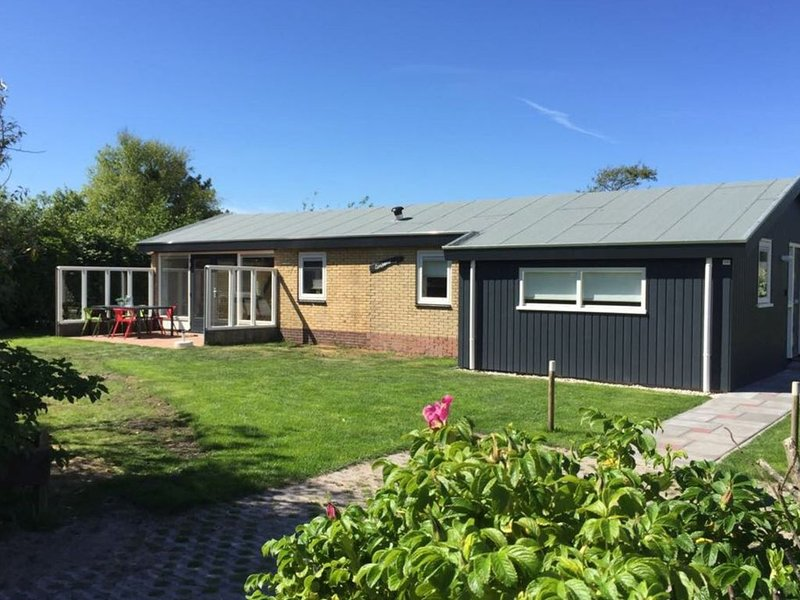 Detached bungalow, situated directly at a large sand dunes and nature area, vacation rental in Ameland