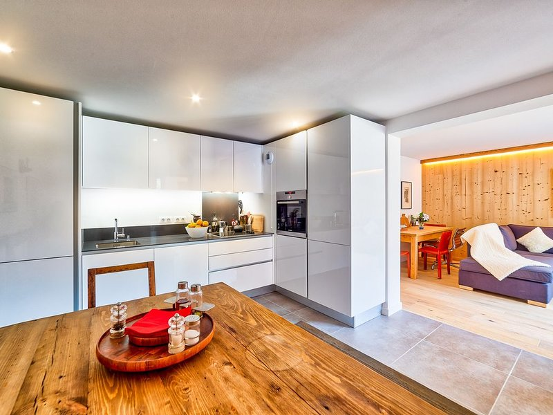 California: Superb quality Chamonix Apt in new build condo, holiday rental in Les Praz-de-Chamonix