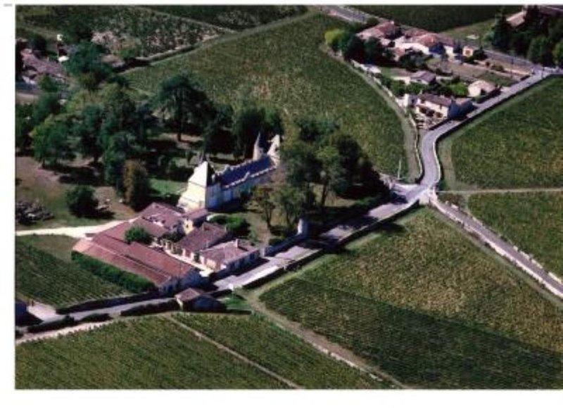 Maison de caractère dans le parc du chateau, alquiler vacacional en Pujols-Sur-Ciron