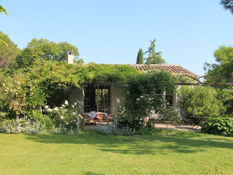 Le petit oiseau - For a romantic holiday in the Provence!, vacation rental in Chateaurenard
