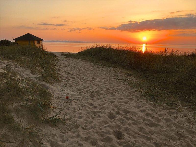 Familjevänligt hus ett stenkast från havet, vacation rental in Kvidinge