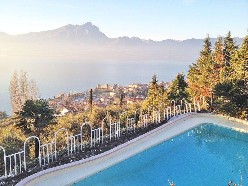 Villa Stupore - 16 Guests, vacation rental in Torri del Benaco