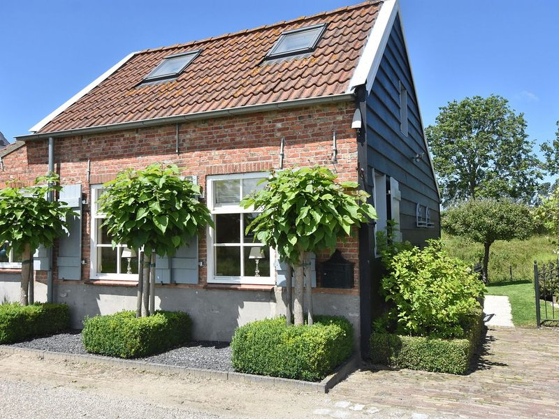 Modern Holiday Home in Sluis with a Garden, vacation rental in Oostburg