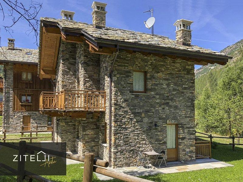 Villetta luxury con giardino privato a Lillaz, Cogne, vacation rental in Noasca