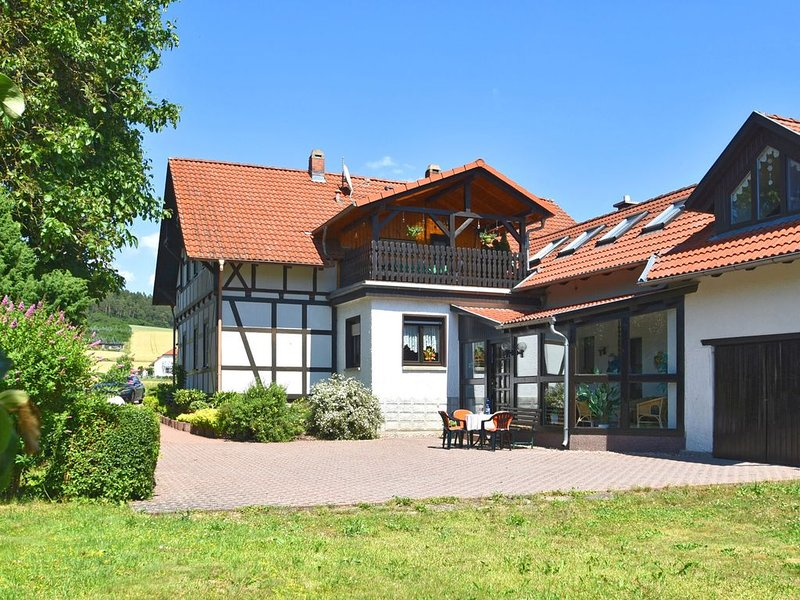 Sophisticated holiday home in Thuringia with sunroom, garden and terrace, holiday rental in Bad Neustadt an der Saale