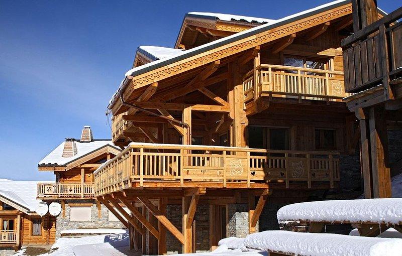 Super Endroit ! Chalet Privé Rénové, 80m des Pistes + Local à Skis, holiday rental in Mizoen
