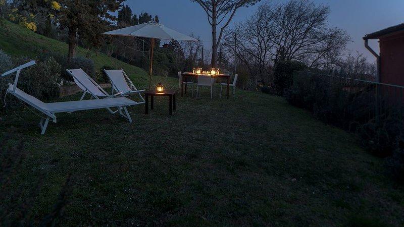 The olive mill loft w/shared salt water pool & air conditioning for a family of, aluguéis de temporada em Salapreti
