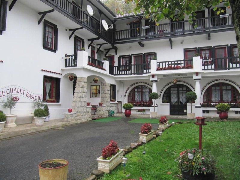 Appartement 2/4 personnes -chalet 3 *** proche Pic du Midi/Bagnères de Bigorre, location de vacances à La Barthe-de-Neste