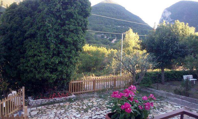 Bed and breakfast da Caramella, casa indipendente con ampio giardino, casa vacanza a Bellaguardia