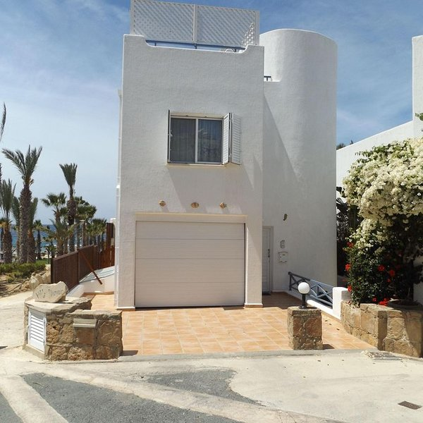 4 Bedroom Villa,Sea front position with amazing views from the rooftop terrace, holiday rental in Lempa