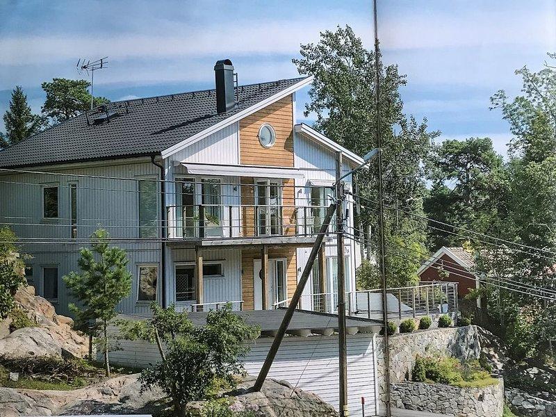 Rymlig villa nära sjö och kommunikationer, location de vacances à Nacka