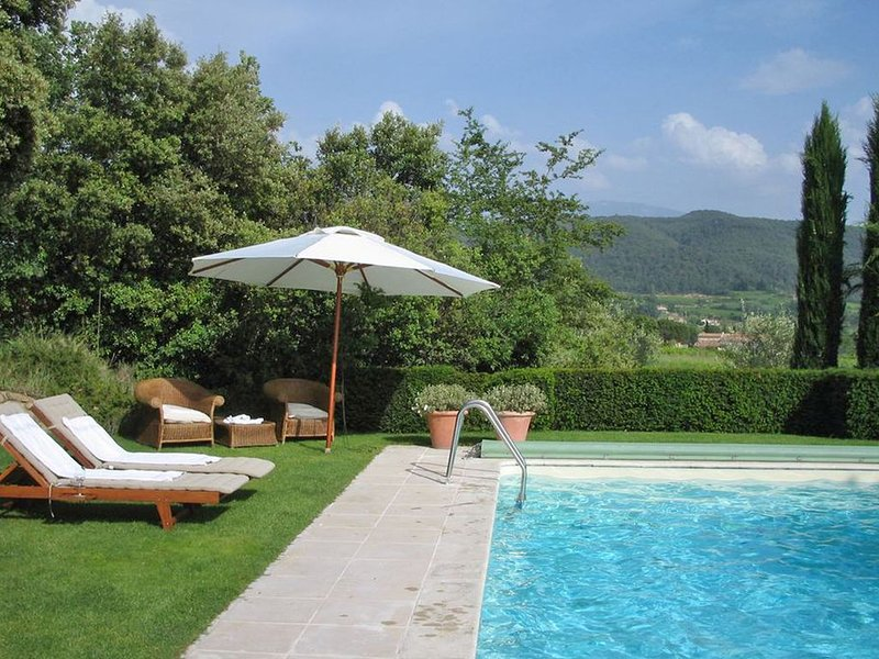 Luxurious Mansion with Pool in Vaison-la-Romaine, holiday rental in Puymeras