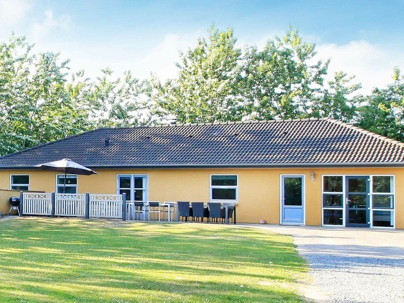 Rustic Holiday Home in Hojslev with Sauna, vacation rental in Skive