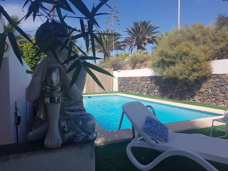 VILLA STA MONICA HEATED POOL, SEA VIEWS, COSTA ADEJE – semesterbostad i Adeje