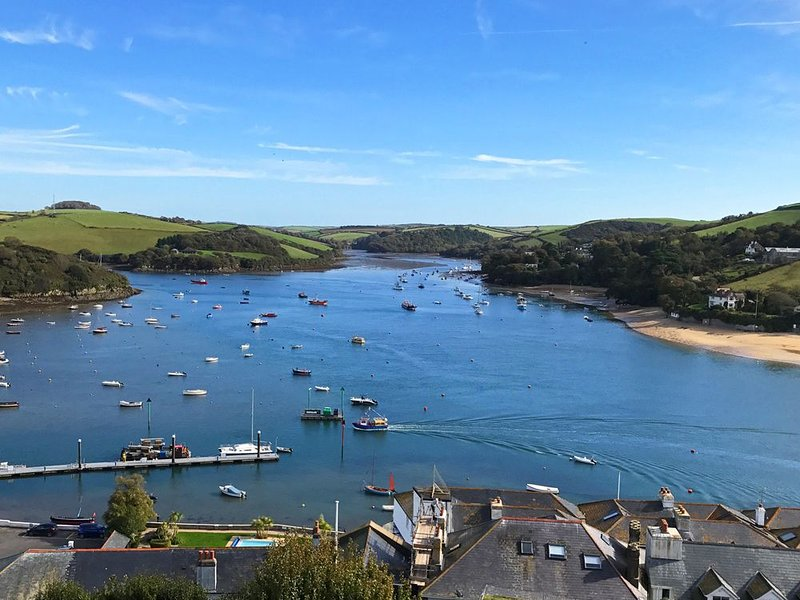 Main Top Apartment, SALCOMBE, holiday rental in East Portlemouth