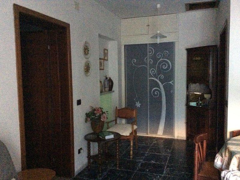 Casa Pertondolo,Bilocale spazioso e luminoso,4 posti letto in alta Lunigiana., location de vacances à Minucciano