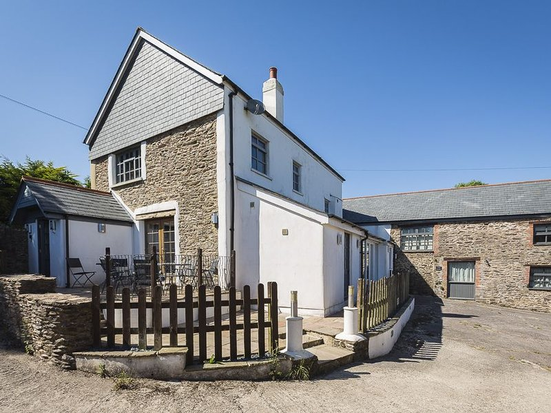 Little Cotton Farmhouse, DARTMOUTH, holiday rental in Bowden