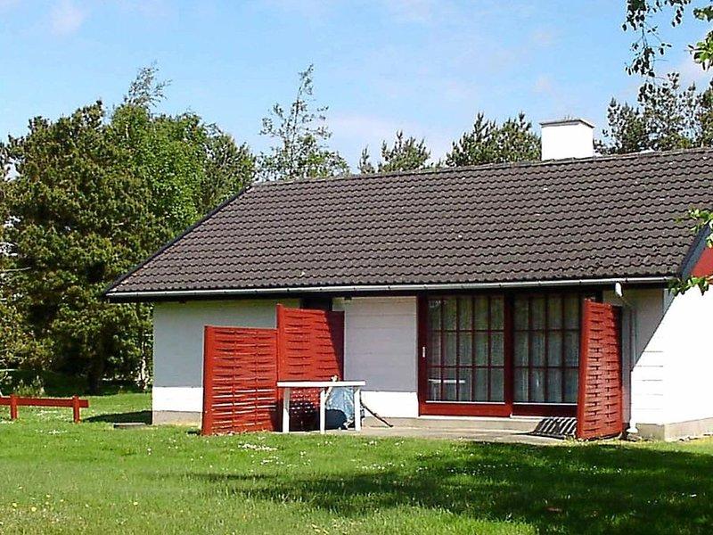 Simplistic Holiday Home in Tarm with Terrace, aluguéis de temporada em Skjern