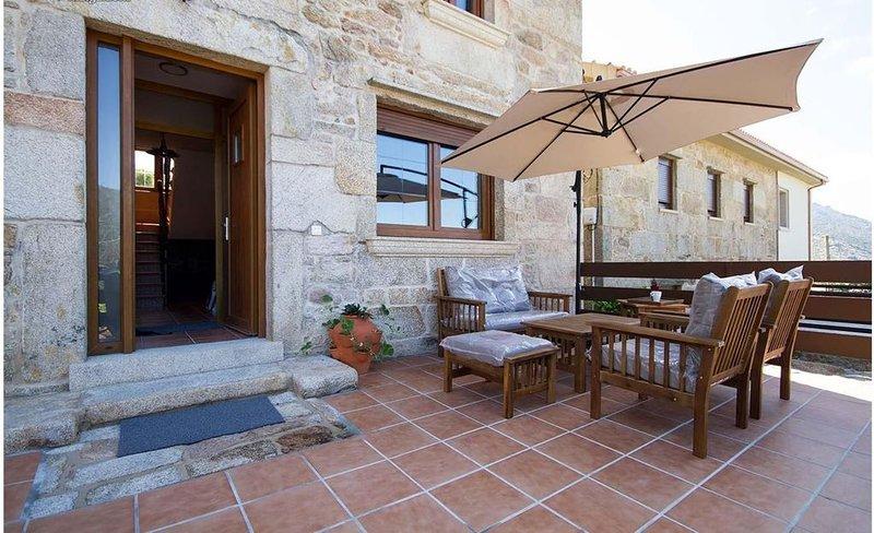 Casa - 4 Dormitorios con WiFi - 107751, holiday rental in Mazaricos