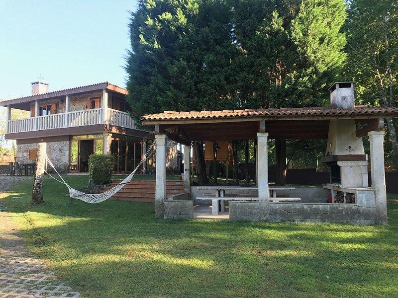 CASA DE CAMPO A LEIRA, casa vacanza a Salvaterra de Mino