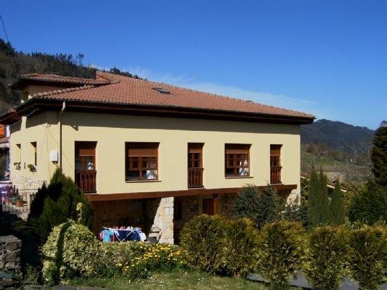 Casa rural (alquiler íntegro) El Regueru para 4 personas, holiday rental in San Julian