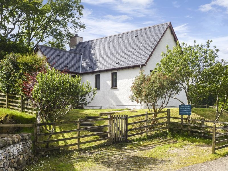 Viking Cottage, GLENUIG, vacation rental in Acharacle