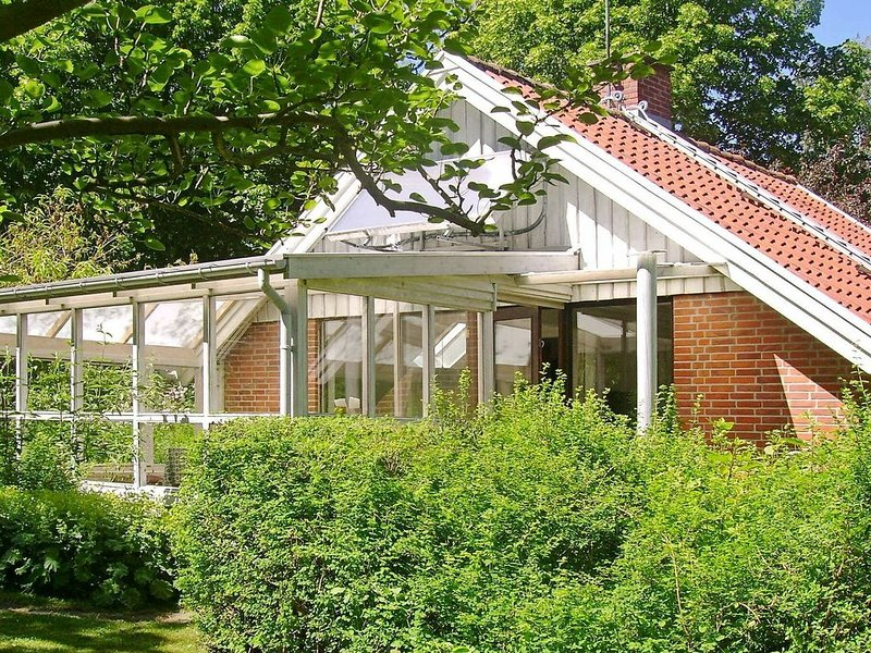 Alluring Holiday Home in Gilleleje with Barbecue, vacation rental in Copenhagen Region