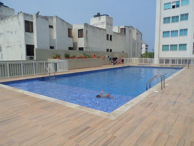Hermoso apartamento cerca a todo donde podrá a caminar, aluguéis de temporada em Santa Marta